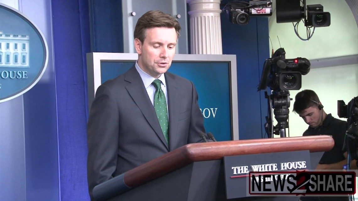 Josh Earnest Chimes in on Israel Palestine