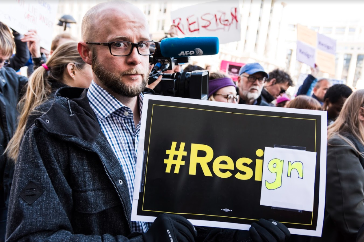 Protesters at DOJ to AG Sessions: Resign | News2Share